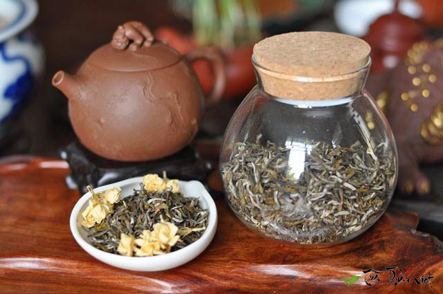trà cổ thụ ướp hoa