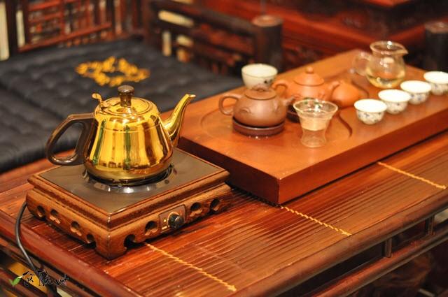 bộ ấm đun nước pha trà bếp từ đế gỗ kamjove